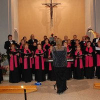 2007 - Sant Blai - Cant coral església.jpg